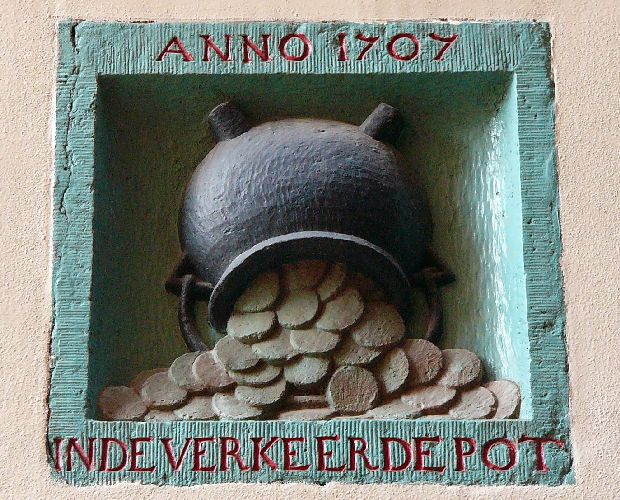 Rokin 17 gevel Nadorststeeg, 1707